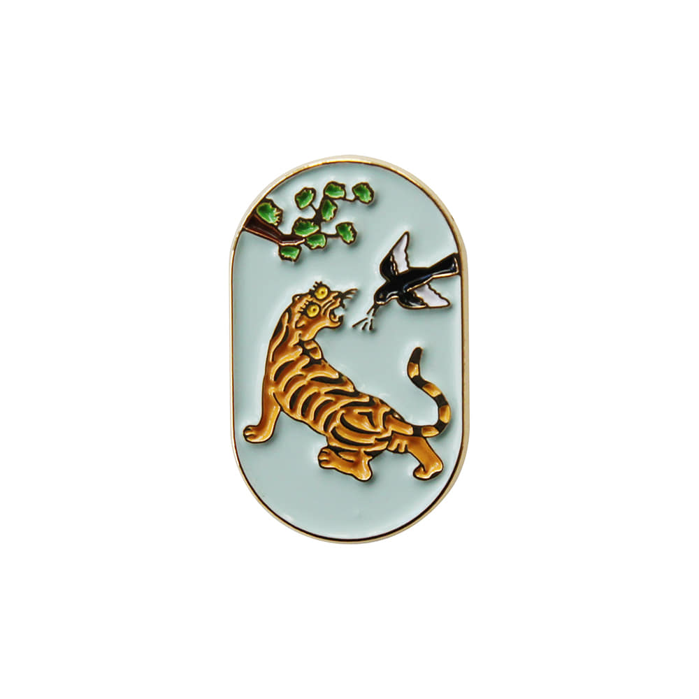 Fortune badge _ magpies and tigers